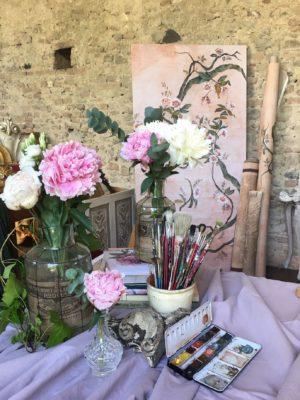 mobili dipinti e carte da parati