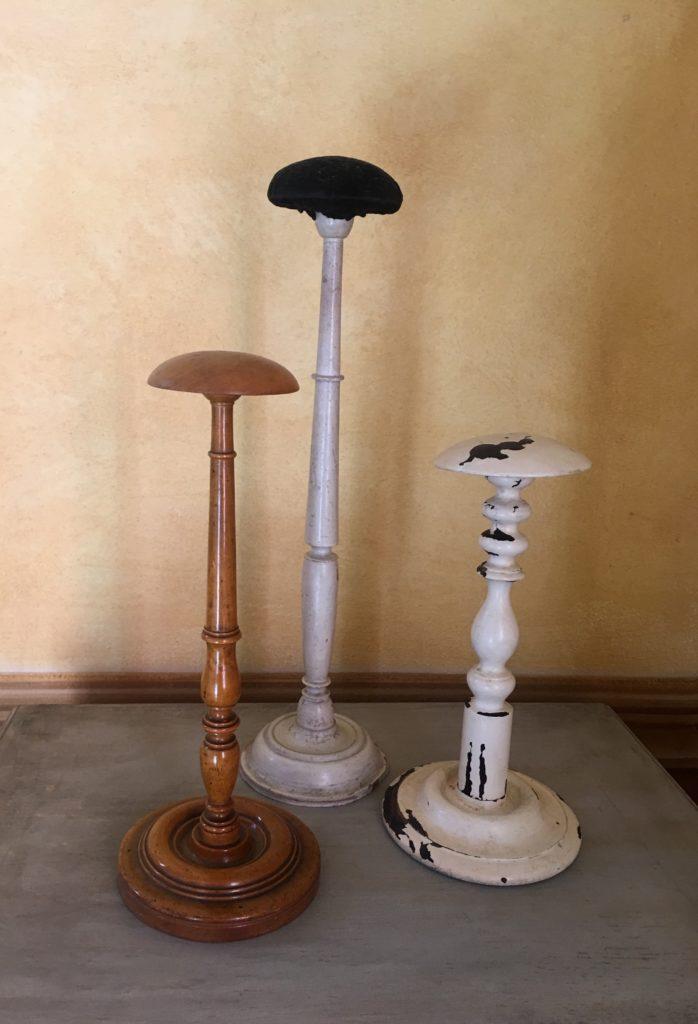 Porta cappelli francesi barbara maldini decorazione d for Porta cappelli