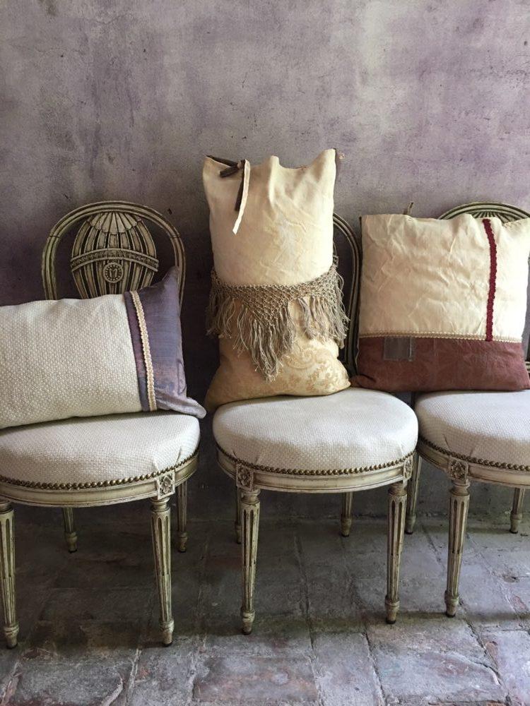 Cuscino patch peonie colorate barbara maldini for Corsi arredatore d interni