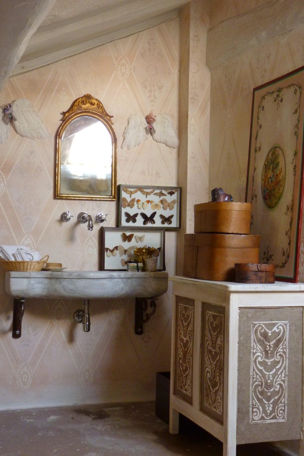 Pareti e interni barbara maldini decorazione d 39 interni for Corsi arredatore d interni