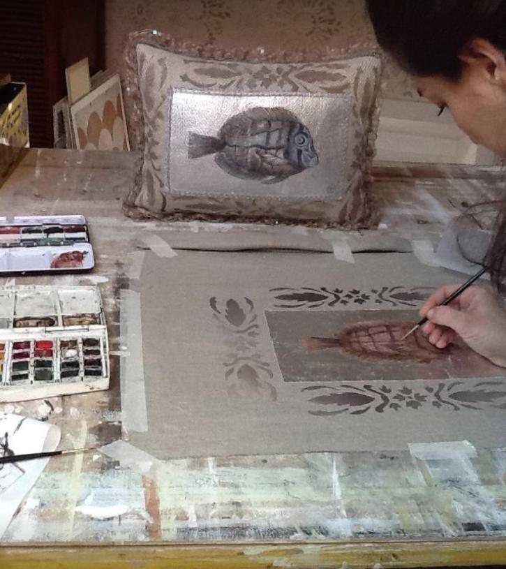 ae06b5ae48 Questo corso di 15 ore offre l'opportunità di apprendere a dipingere,  decorare, stampare i tessuti e le carte attraverso l'utilizzo di diverse  tecniche.